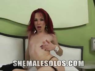 Petite TS Bombshell Allicia Nogueira