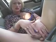 Blonde T-MILF in outdoor hardcore!